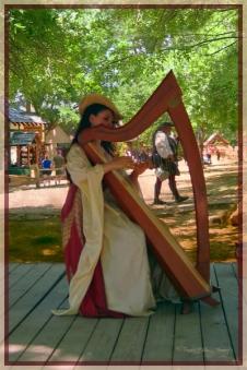 4264-TH-0517 Harp Moet